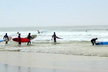 Surfcamp-vor-und-nachteile-titel