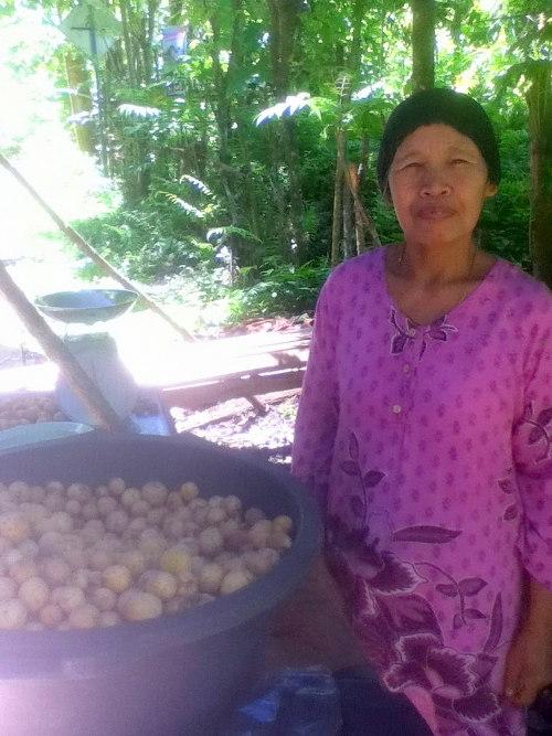 Frau in Sumatra